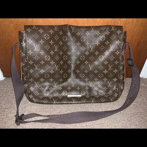Louis Vuitton Messenger Bag-Authentic!